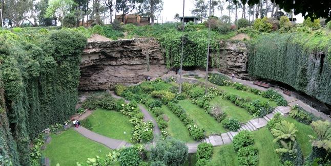 Umpherston Sinkhole in Mount Gambier